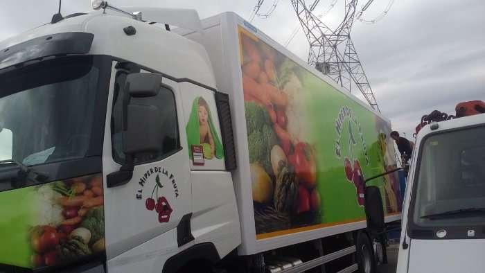 Rotulacion de vehiculos con impresión digital proyecto El hiper de la fruta camion 02