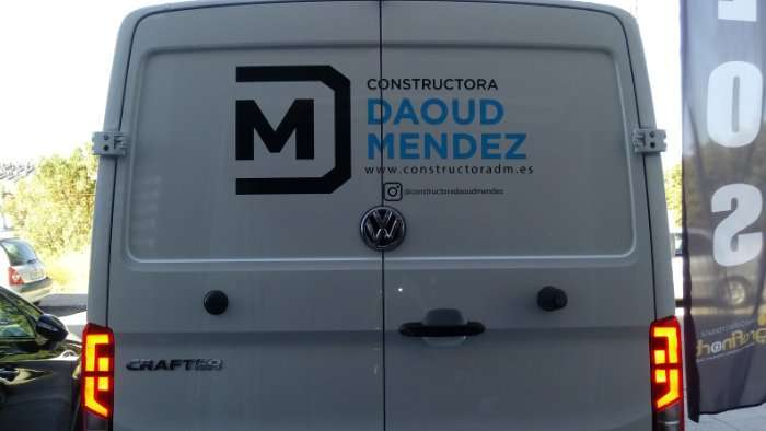 Rotulacion de vehiculos con vinilo de corte a dos colores proyecto Daoud Mendez 02