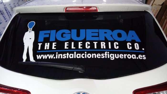 Rotulacion de vehiculos con vinilo de corte a un solo color proyecto Figueroa 02
