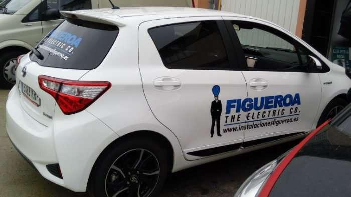 Rotulacion de vehiculos con vinilo de corte a un solo color proyecto Figueroa 03