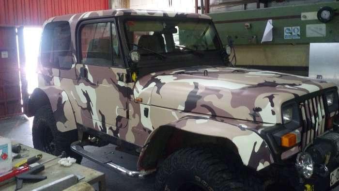 Rotulacion de vehiculos con vinilo de corte a un solo color proyecto Jeep US Army 01