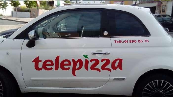 Rotulacion de vehiculos con vinilo de corte a un solo color proyecto Telepizza 02